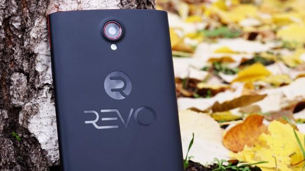 REVO 555 телефон с голяма батерия